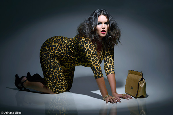 Modelo Plus Size Cleo Fernandes - Sexy and Wild Editorial de Moda Animal Print