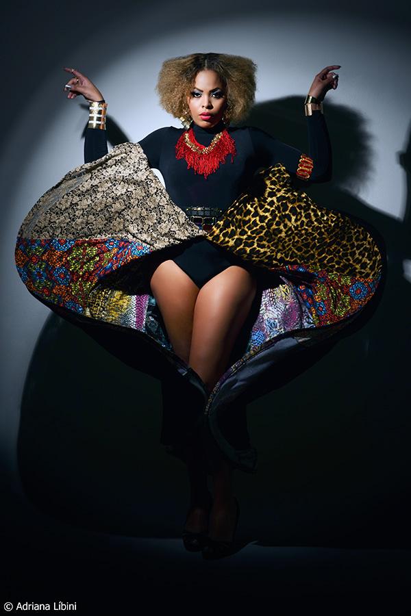 Rita Carreira Modelo Plus Size profissional em Editorial de Moda Sexy and Wild
